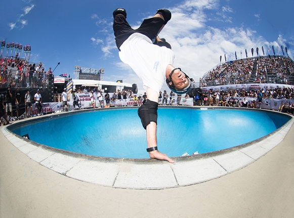 TONY HAWK JOINS THE VANS BOWL SYSTEM LIVE TEAM